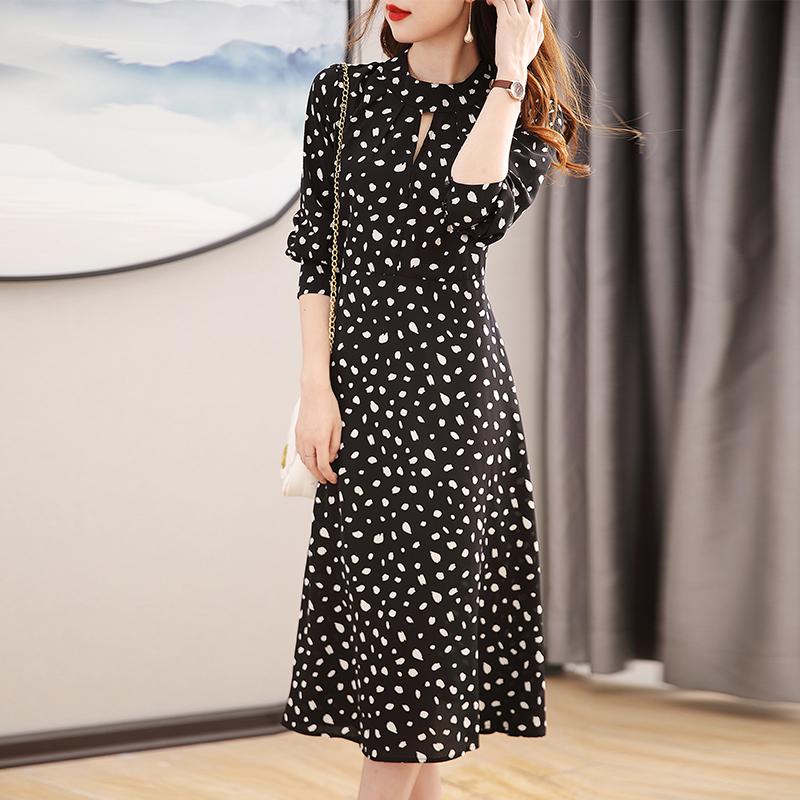 女装法式桔梗长裙子2021秋季新款很仙的碎花洋气减龄显瘦连衣裙潮