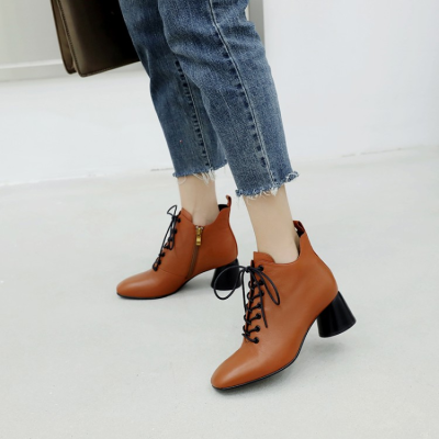 2018新款靴子马丁靴系列气质复古方头粗跟欧美短靴                        2018新款靴子马丁靴系列气质复古方头粗跟欧美短靴